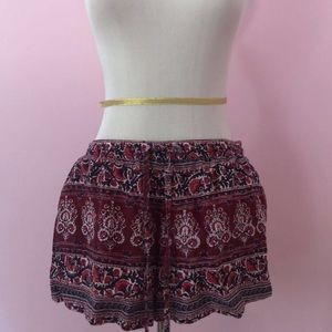 American Eagle patterned flowy shorts